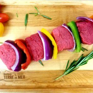 Brochettes de bœuf avec légumes